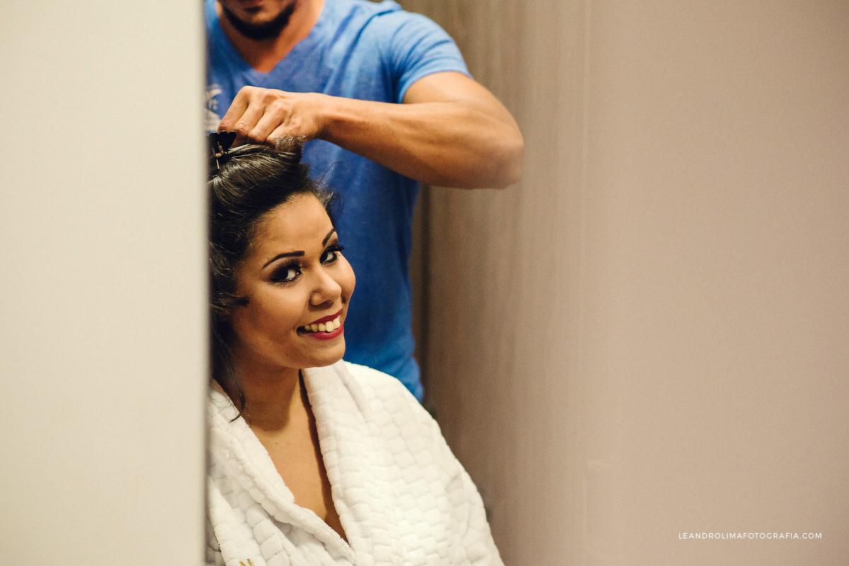 noiva-prendendo-cabelo-make-making