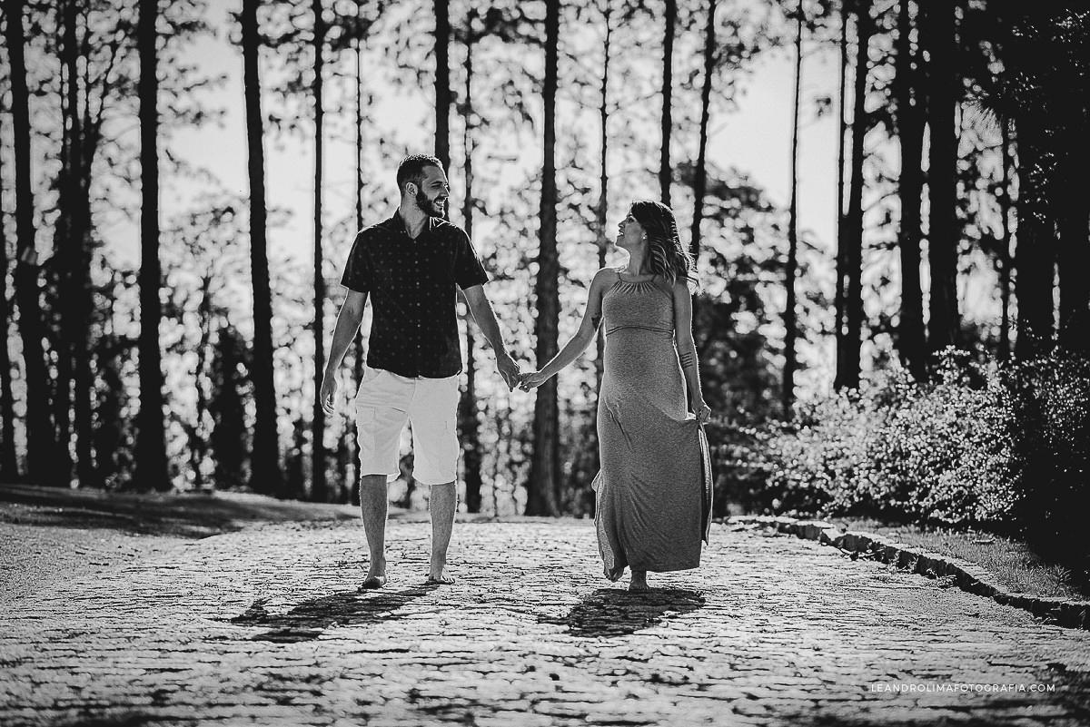 ensaio-foto-casal-gestante-gravida-mosteiro-sao-bento-vinhedo-06