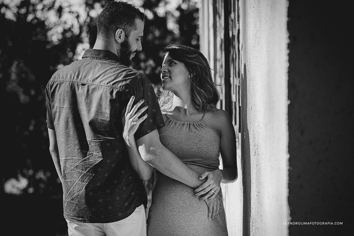 ensaio-foto-casal-gestante-gravida-mosteiro-sao-bento-vinhedo-11