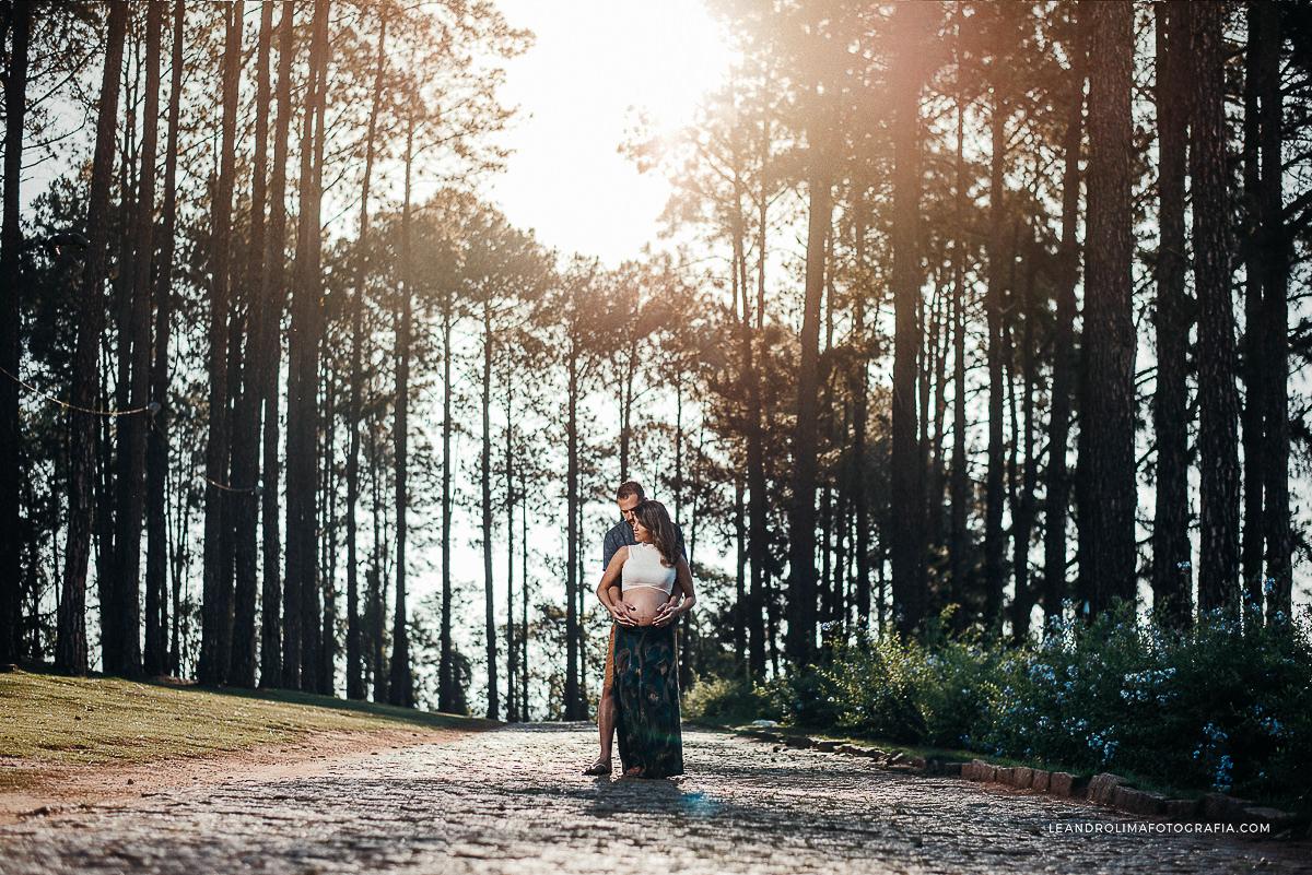 ensaio-foto-casal-gestante-gravida-mosteiro-sao-bento-vinhedo-19