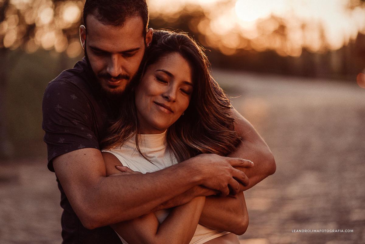 ensaio-foto-casal-gestante-gravida-mosteiro-sao-bento-vinhedo-34