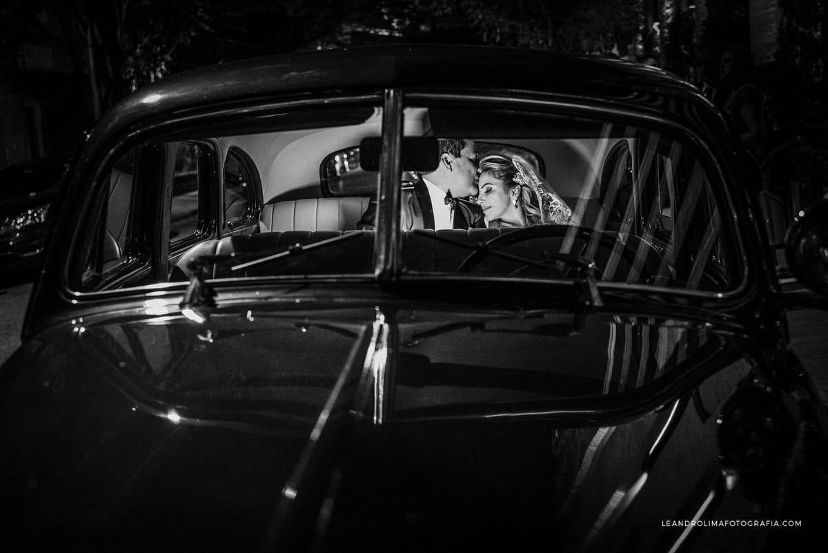 carro-antigo-casamento-ford-coupe-1942-classico-vestido-noiva-renda-luxo-buffet-dellorso-49
