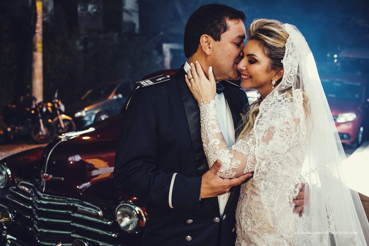 carro-antigo-casamento-ford-coupe-1942-classico-vestido-noiva-renda-luxo-buffet-dellorso-50