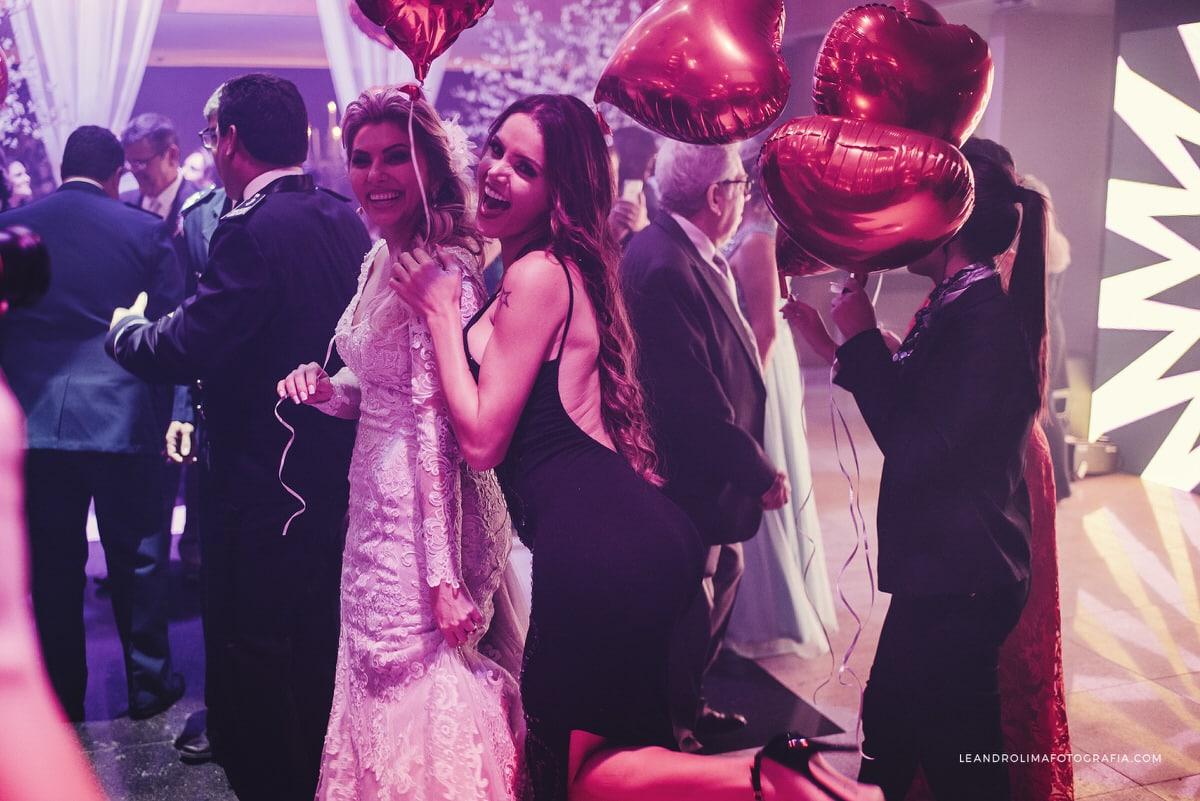 danca-noivos-casamento-classico-luxo-baloes-coracao-buffet-dellorso-vestido-renda-nova-noiva-jacques-janine-61