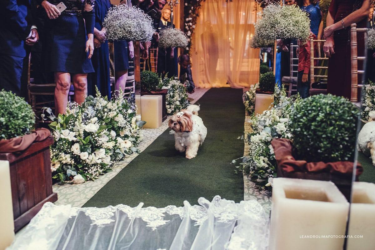 decoracao-casamento-classico-luxo-buffet-dellorso-cachorro-entrada-aliancas-46