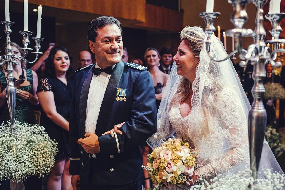decoracao-casamento-militar-classico-luxo-buffet-dellorso-vestido-renda-nova-noiva-jacques-janine-43