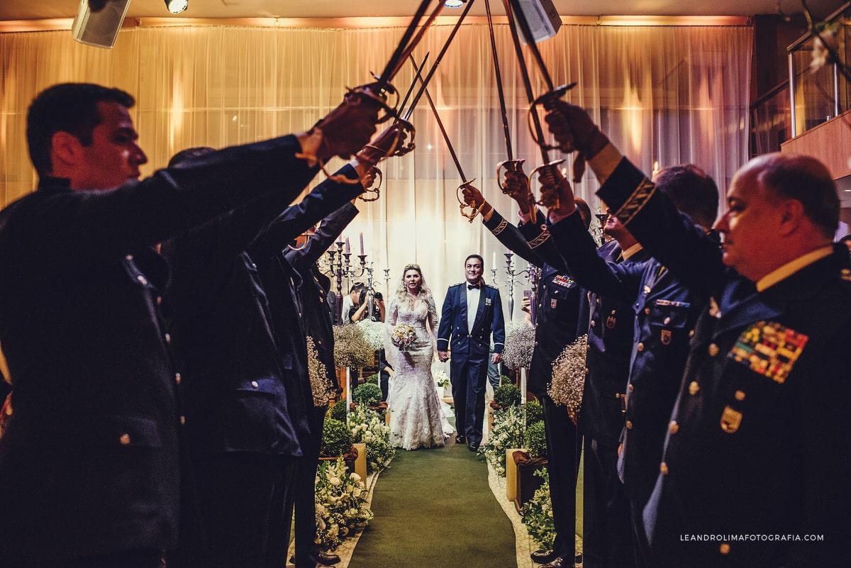 decoracao-casamento-teto-aco-militar-classico-luxo-buffet-dellorso-vestido-renda-nova-noiva-jacques-janine-48