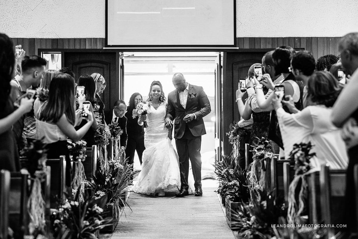 entrada-noiva-pai-corredor-igreja-imosp-